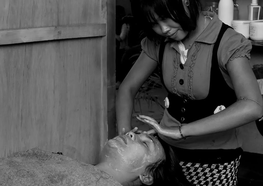 Pandum, another friend, getting a facial