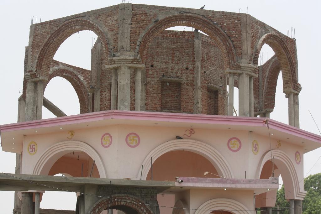 under construction Parvati temple (1024x683)