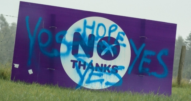 "Vandalised ""No Thanks"" sign from Scottish independence referendum 2014. (Photo: K. R. / Flickr Creative Commons)"