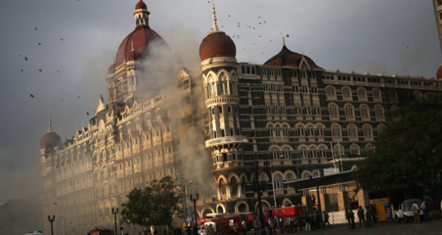 The Taj hotel Mumbai under seige| Photo: Uriel Sinai/Getty Images