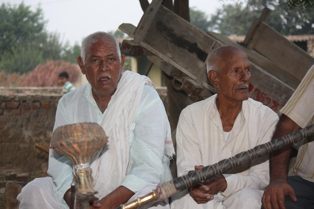 Rampal singh (left)