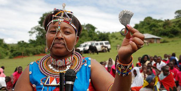 A local woman displays a tool used to carry out female circumcision. Photo source: http://fgcdailynews.blogspot.in/
