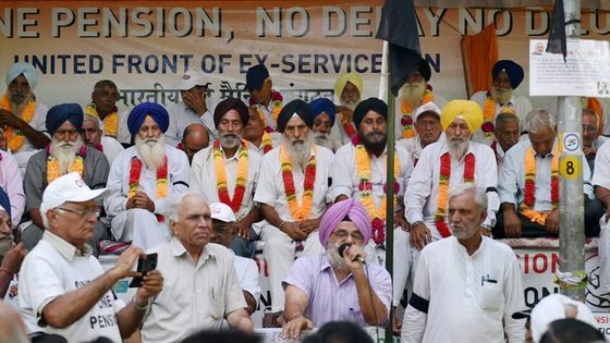 Veterans during the peaceful agitation