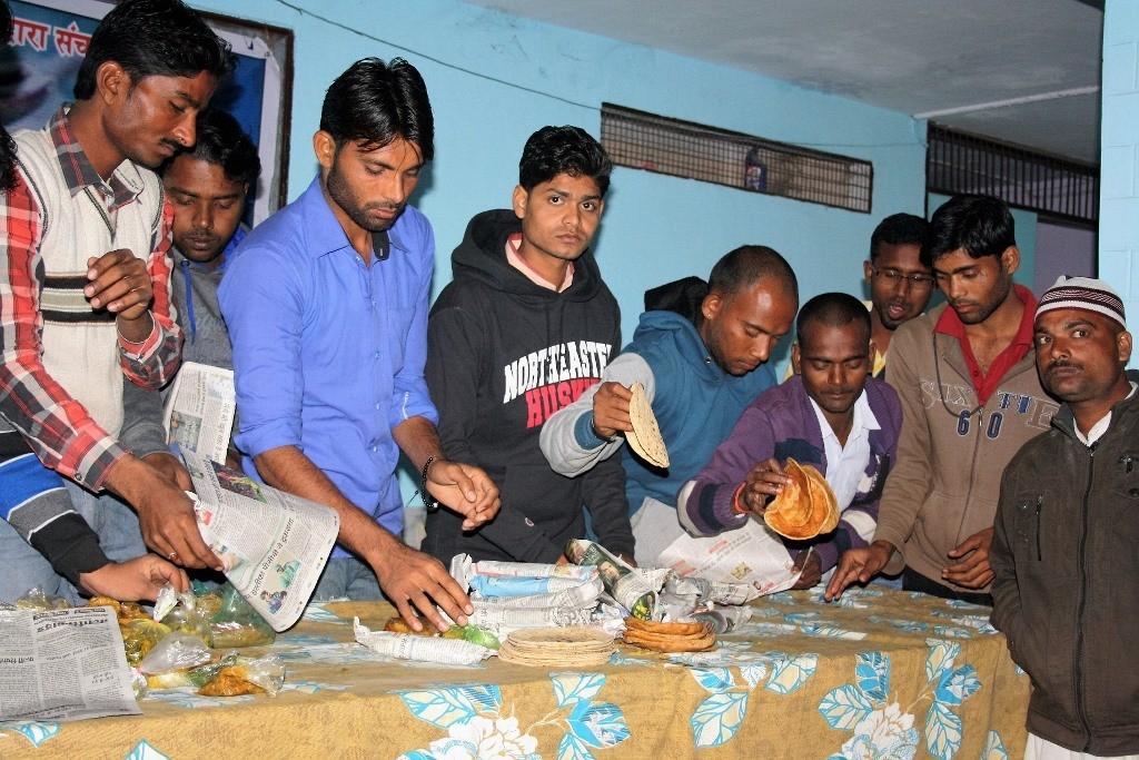 Bundeli Samaj segregating food collected from households2