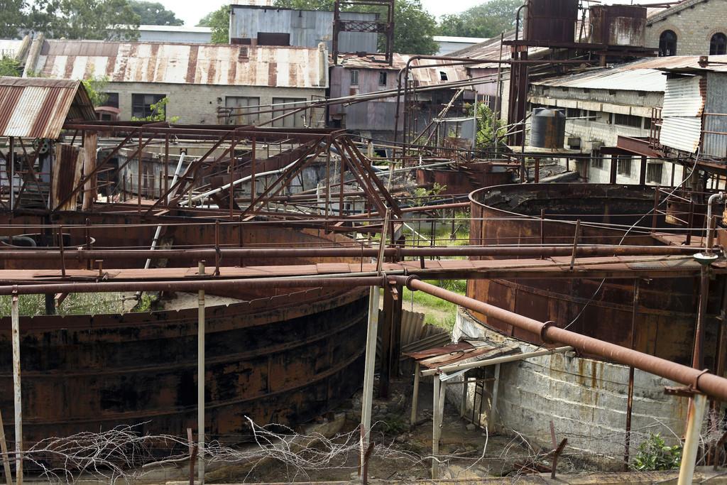 Rusty abandoned machinery at KGF|Credits: Nicolas Mirguet
